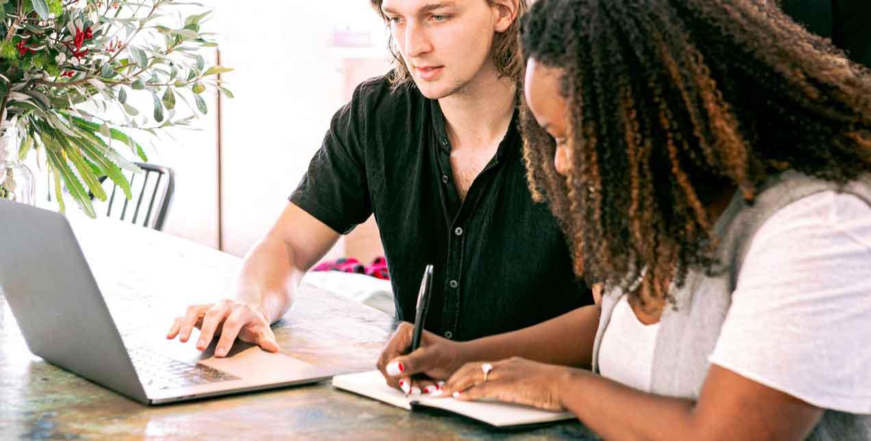 סטודנטים מנסחים כללי כתיבת עבודות אקדמיות